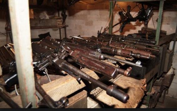 חלק מכלי הנשק שהתגלו. מפקד המחוז הצפוני עמד נדהם