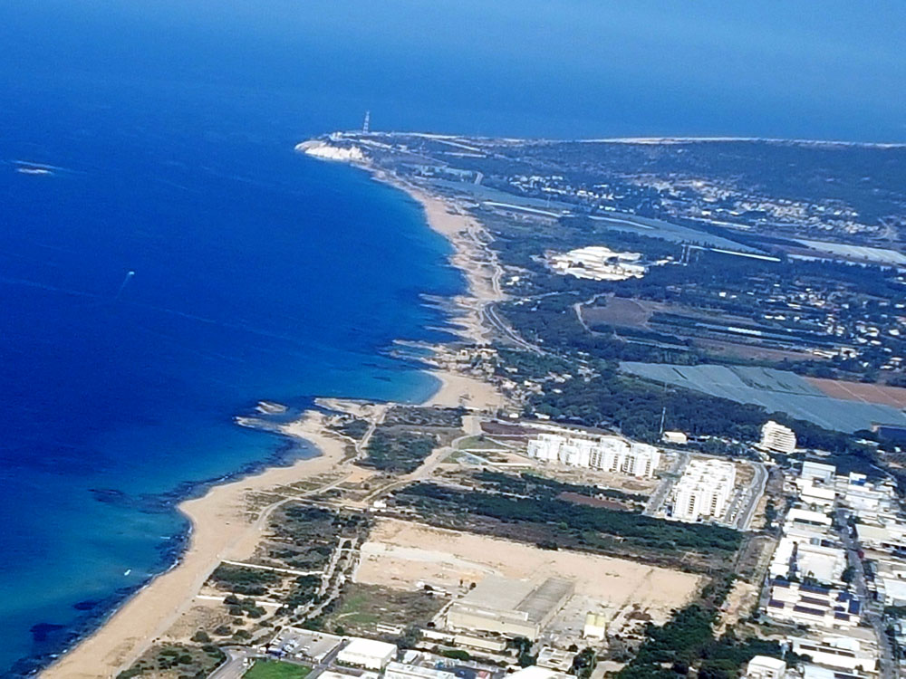 מבט מנהריה ללבנון