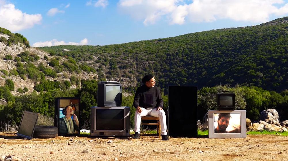 יגאל אוחיון, מתוך הקליפ אחרי המסיכה